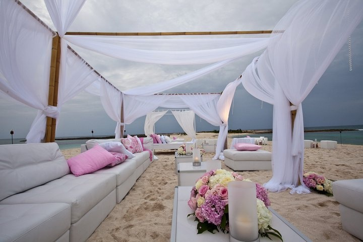 beach-wedding-lounge