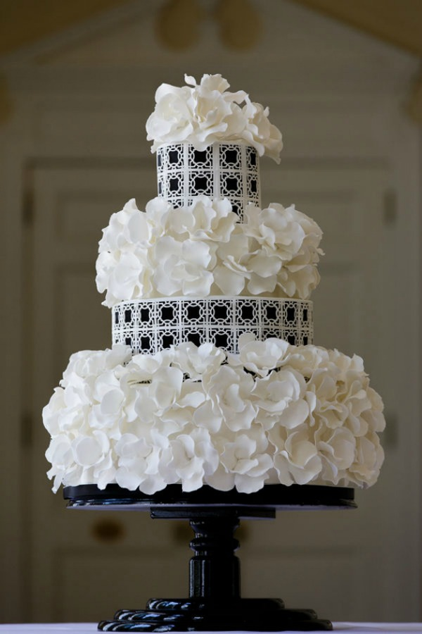 modern black and white wedding cakes bajan wed. Black Bedroom Furniture Sets. Home Design Ideas