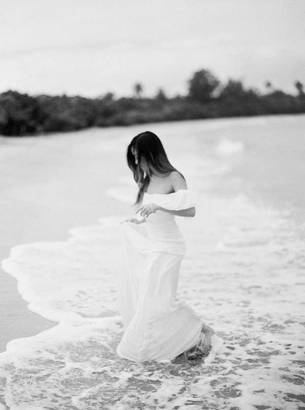 Modern Minimalist Bride for a Caribbean Destination Wedding Editorial By Meggie Francisco Events and Tracy Enoch Photography
