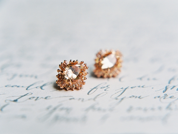 Bridal Earrings | Minimalist and Organic Coastal Wedding Ideas from Jasmine Pettersen Photography