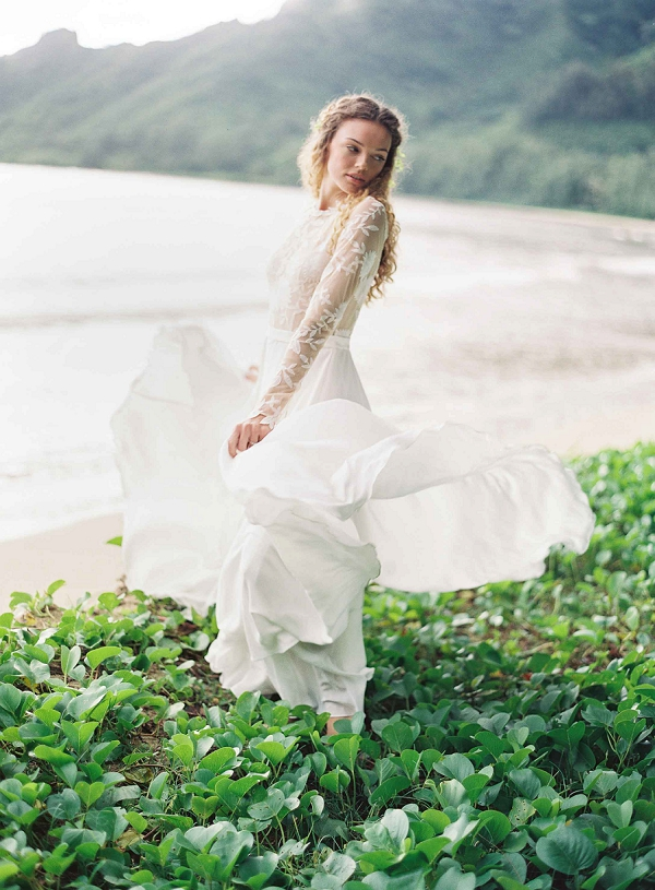Bridal Beauty in Hawaii | Ethereal Sunrise Bridal Portraits in Hawaii by Christine Clark Photography