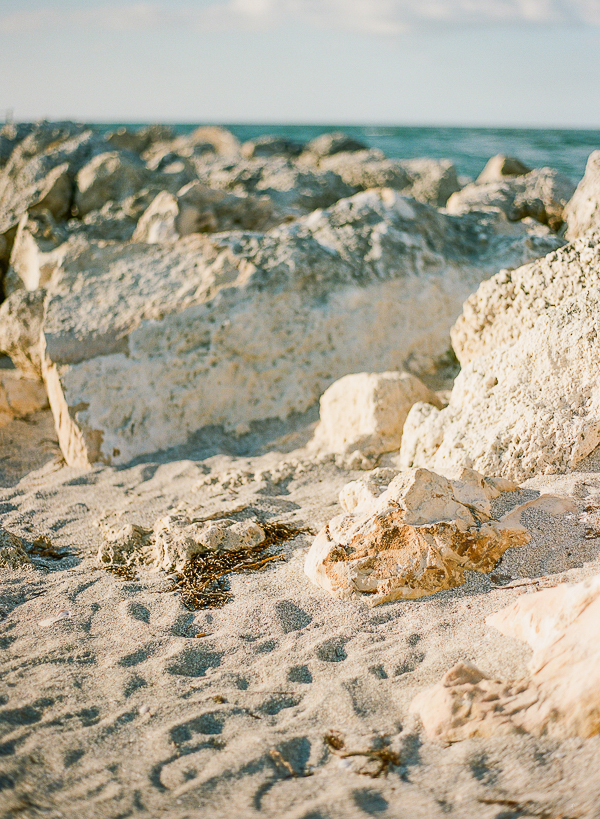 Beach Setting | Romantic Beach Wedding Inspiration by The Ganeys