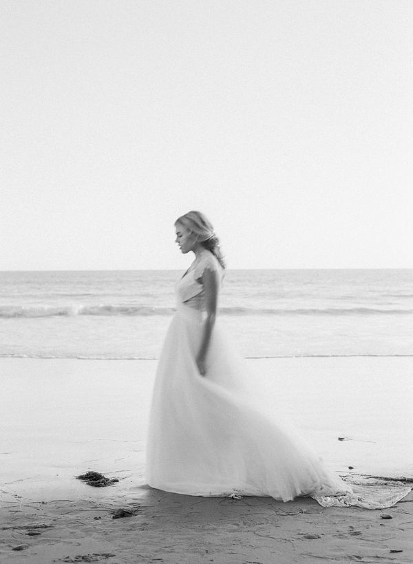 Black and White Bridal Portrait | Malibu Seaside Inspired Bridal Editorial by Jeremy Chou Photography