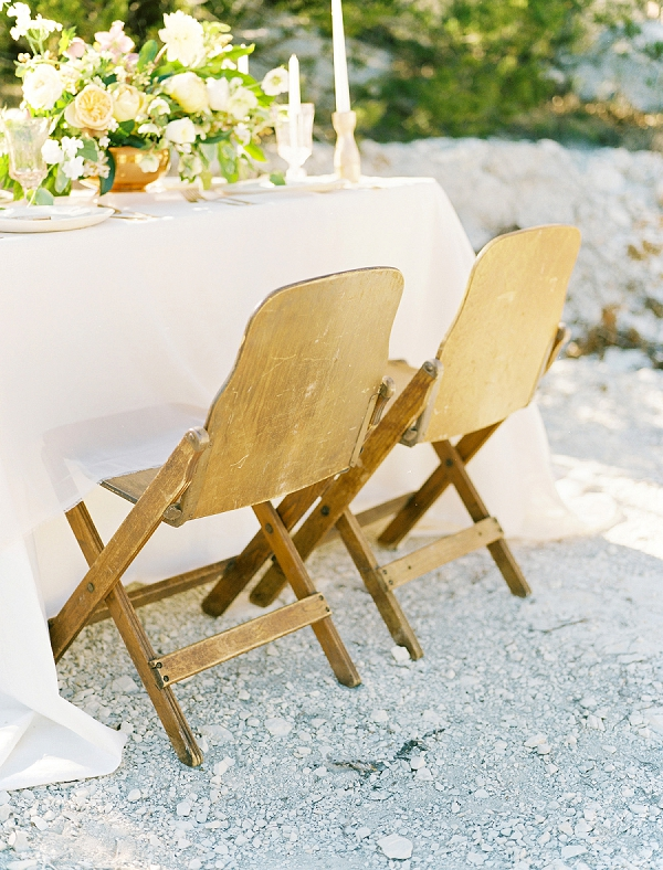 Mid-Century Modern Seating | Rustic and Organic Wedding Inspiration from Keestone Events and Ben Q Photography
