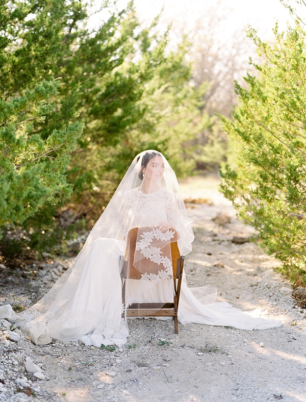 Wedding Veil | Rustic and Organic Wedding Inspiration from Keestone Events and Ben Q Photography