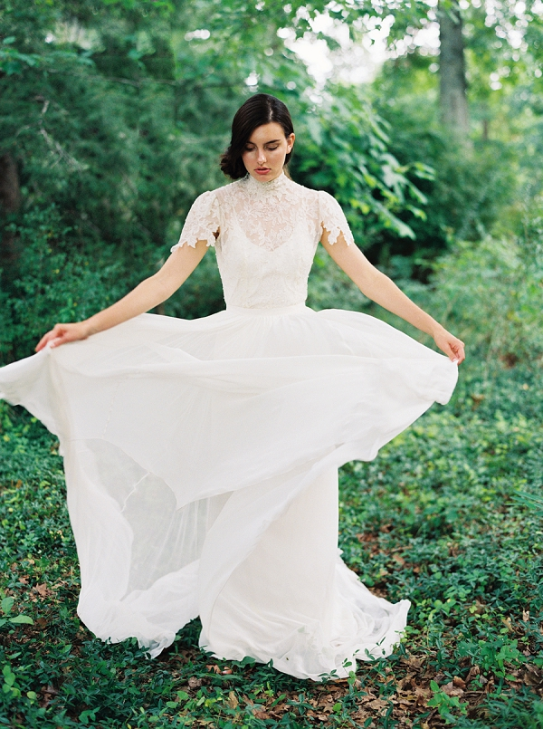 Vintage Inspired Wedding Dress | Villa Romance By Shannon Moffit Photography