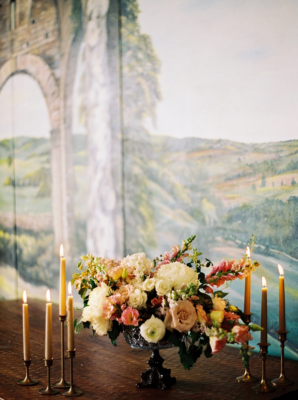 Centerpiece with Candles | Villa Romance By Shannon Moffit Photography