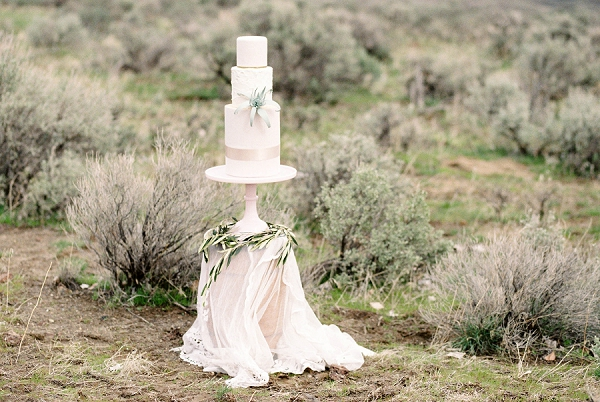 Wedding Cake | Desert and Sage Organic Wedding Inspiration from Kerry Jeanne Photography
