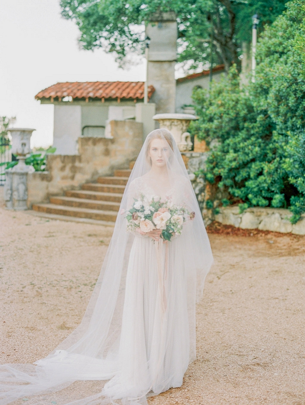 Fine Art Bride | Elegant Wedding Inspiration in an Old World Setting by Honey Gem Creative Photography