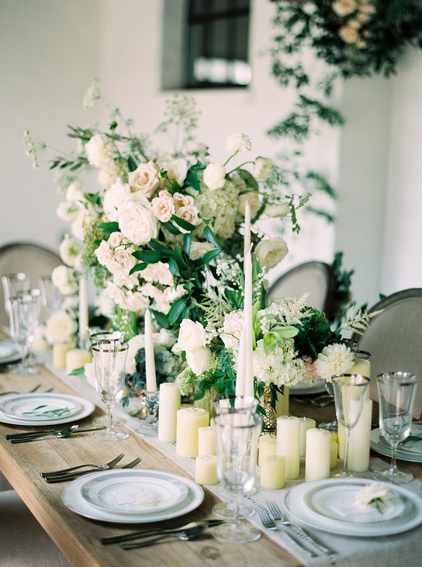 Neutral Tablescape | Elegant and Organic Wedding Ideas by Elyse Jennings Weddings and Greer Gattuso Photography