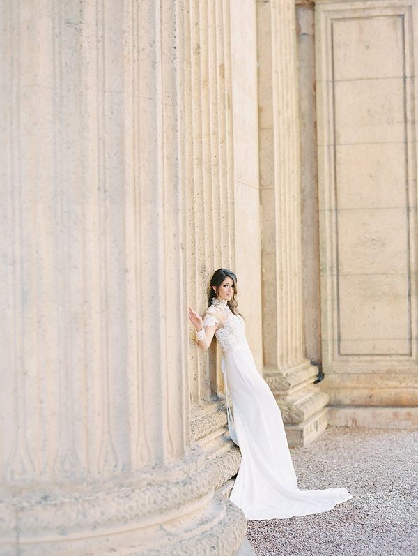 Elegant Bride | Palace of The Fine Arts Elopement Ideas by Ivory & Vine Event Co. and Stephanie Brazzle Photography