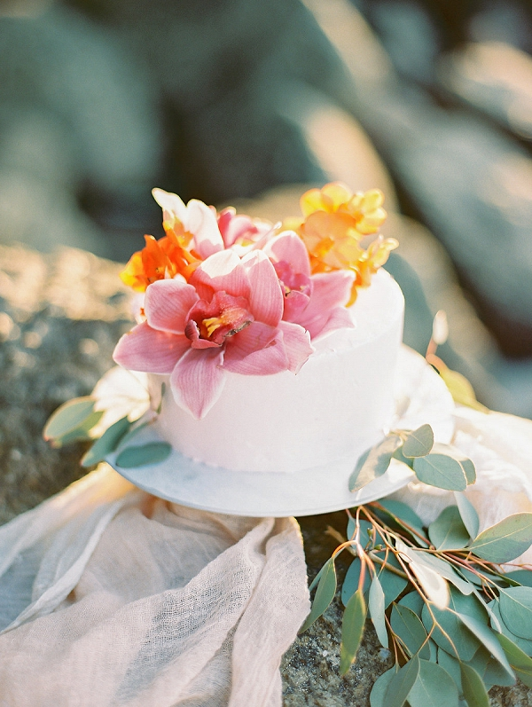Tropical Wedding Cake | Tropical Elopement Inspiration by Steve Torres Photography