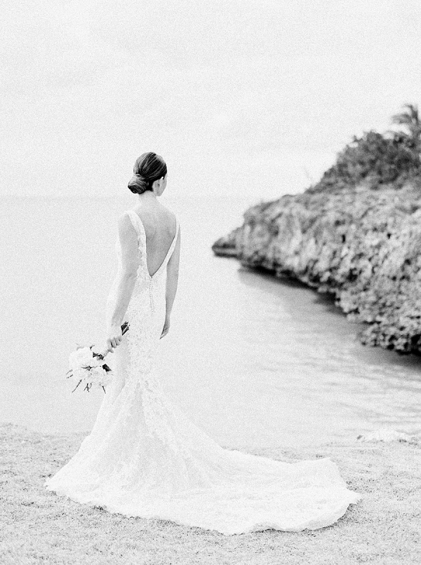 Black and White Bridal Portrait | Glamorous Wedding Weekend in the Bahamas by Hunter Ryan Photography