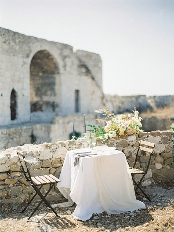 Simple and Elegant Table Set Up for the Bride and Groom | Elopement Inspiration at Methoni Castle, Greece | Elisabeth Van Lent Photography