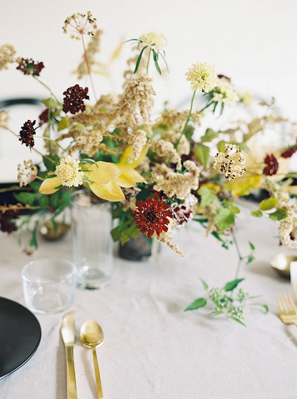 Centerpiece in Fall Colors | Minimalist Modern Wedding Ideas From Gianny Campos