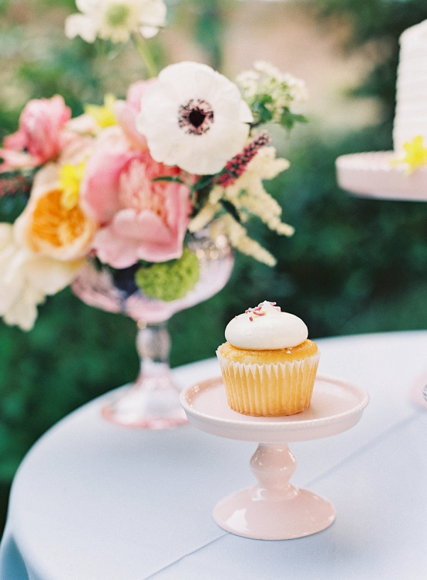 Cupcake and Stand | Monet Garden Wedding Inspiration by Nathalie Cheng