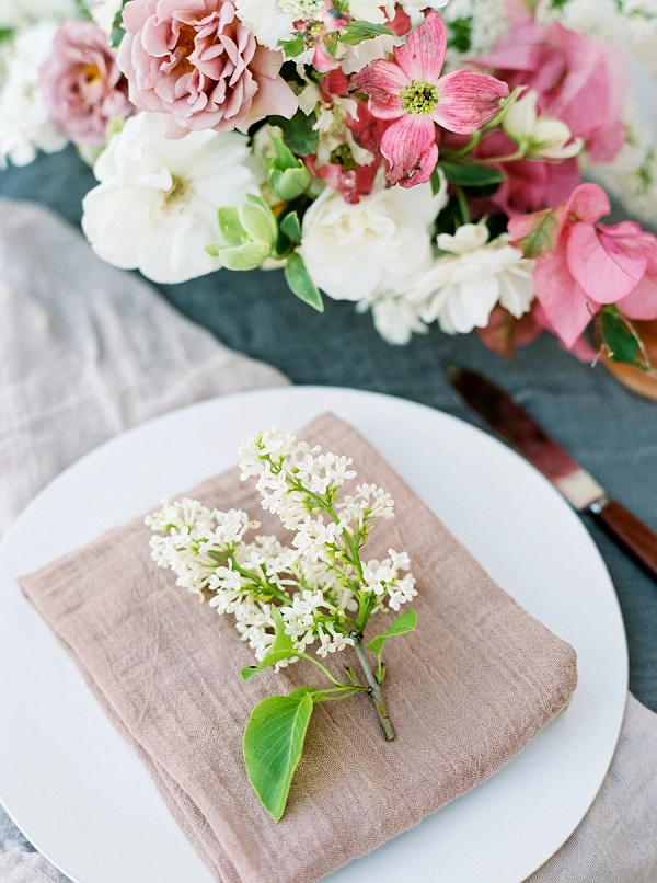 Flowers at Each Place Setting   Old World Bridal Inspiration By Jen Jar Photography