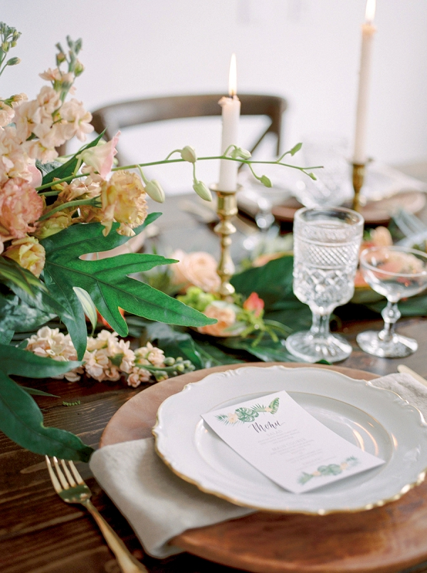 Tropical Place Setting and Centerpiece | Indoor Tropical Wedding Inspiration by Kerry Jeanne Photography
