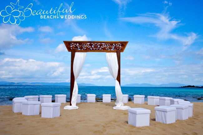 Stunning Beach Wedding Ceremony Ideas: Unique Ceremony Seating Ideas For Outdoor Weddings