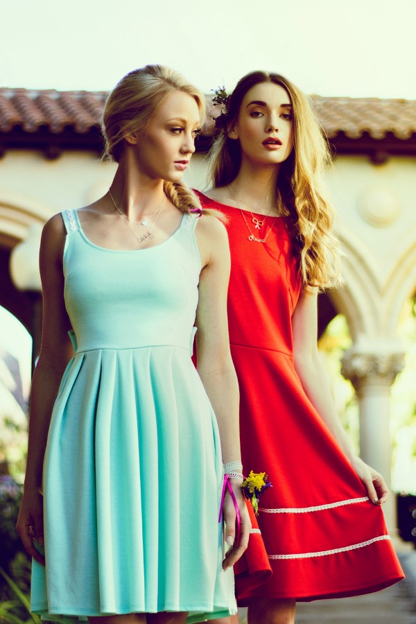 Indie Bridesmaid Editorial From Graffiti Beach | Vintage Inspired Dresses By Fleet Collection | Bajan Wed