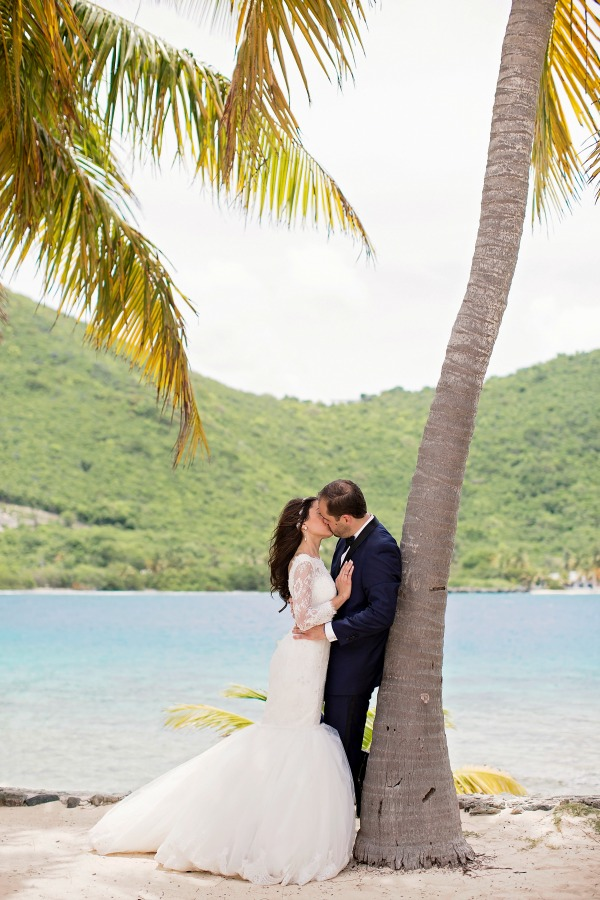 Romantic Frenchman's Cay, BVI Wedding | Lindsay Vann Photography