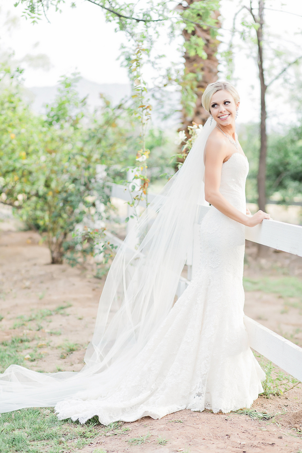 A Whimsical and Romantic Outdoor Wedding   Jessica Q Photography