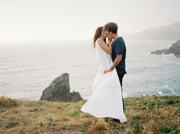 Moody Romantic Engagement Ideas | Wendy Cooper Photography