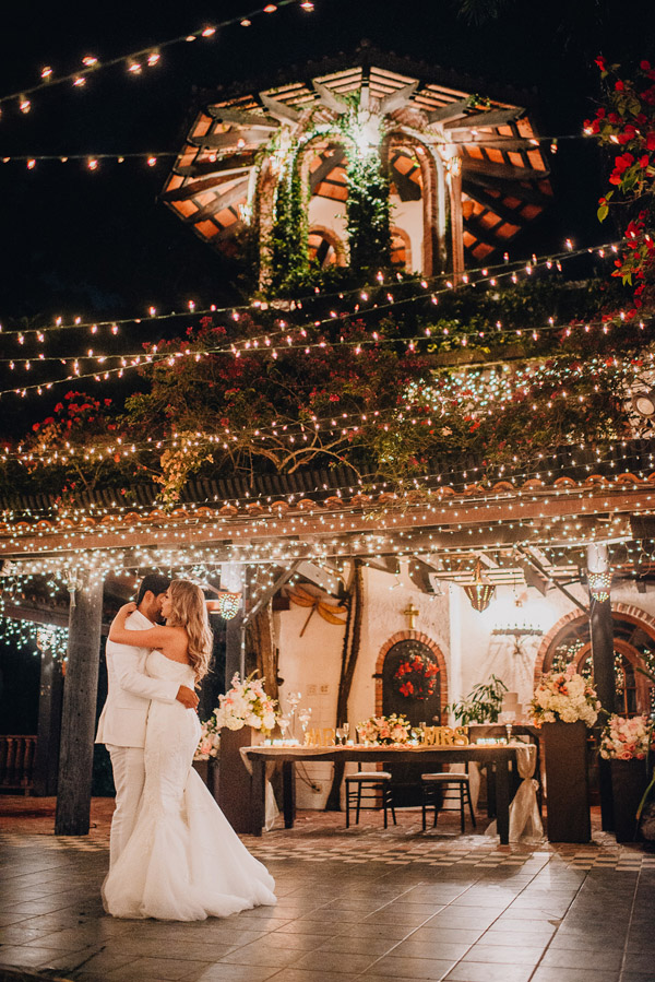 Puerto Rico Wedding.A Gorgeous Lively Wedding Celebration In Puerto Rico