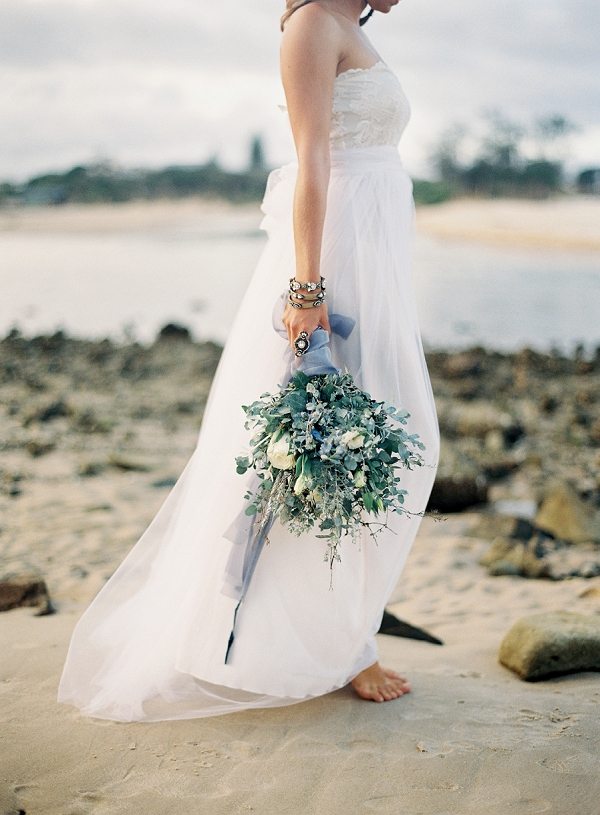 Organic Seaside Wedding Inspiration by Byron Loves Fawn Photography