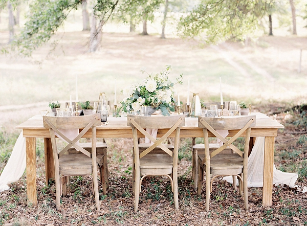 Soft and Romantic Outdoor Wedding Ideas by Allison Kuhn Photography