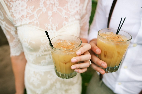 Cocktails | Retro Tropical Hawaii Wedding from Jessica Beneteau of Anna Kim Photography