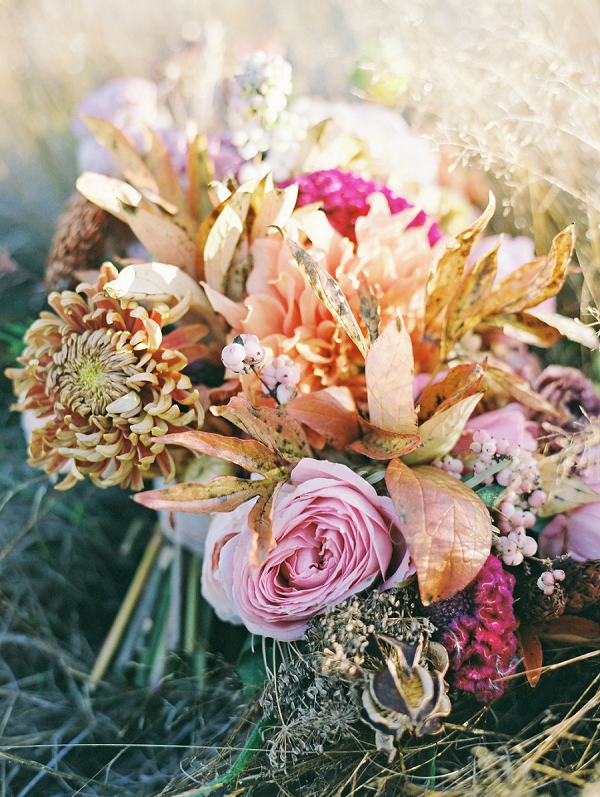 Organic Wedding Bouquet | Bodega Ridge Sunshine Bridal Inspiration from Evelyn Barkey Photography | Forage and Fern Workshop