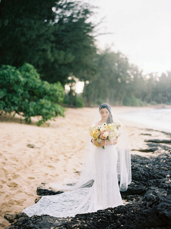 Bride with Bouquet on a Beach in Hawaii | Elegant Hawaii Bridal Inspiration | Anna Peters Photography