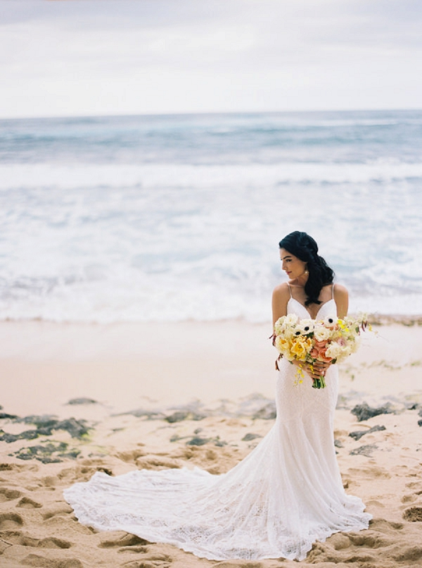 Colorful Bouquet | Elegant Hawaii Bridal Inspiration | Anna Peters Photography
