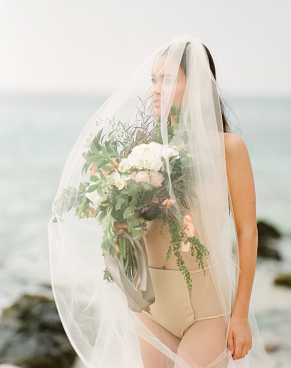 Bridal Boudoir in Hawaii | Elegant Seaside Wedding Inspiration In Hawaii from Bonphotage