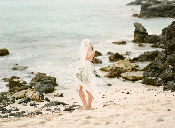 Hawaii Boudoir | Elegant Seaside Wedding Inspiration In Hawaii from Bonphotage