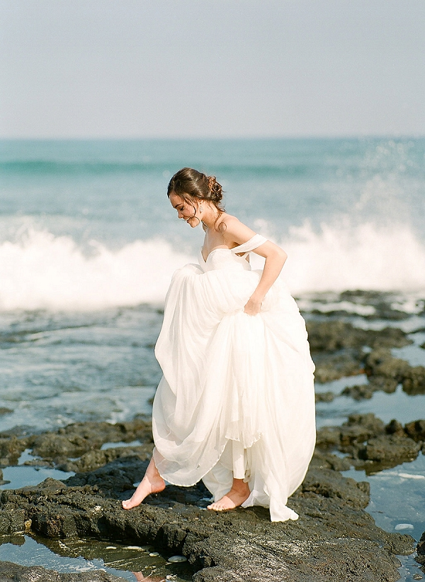 Beach Bride in Hawaii | Elegant Seaside Wedding Inspiration In Hawaii from Bonphotage