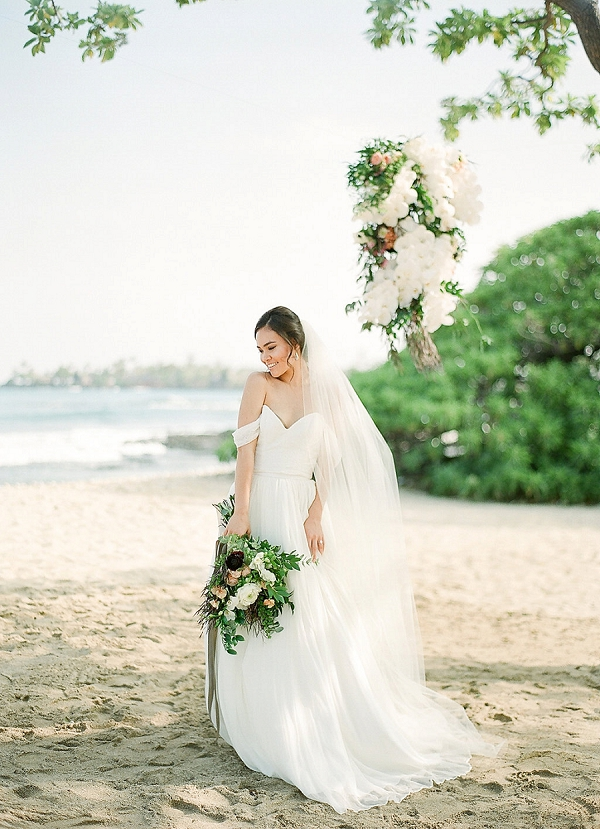 Beautiful Island Bride | Elegant Seaside Wedding Inspiration In Hawaii from Bonphotage