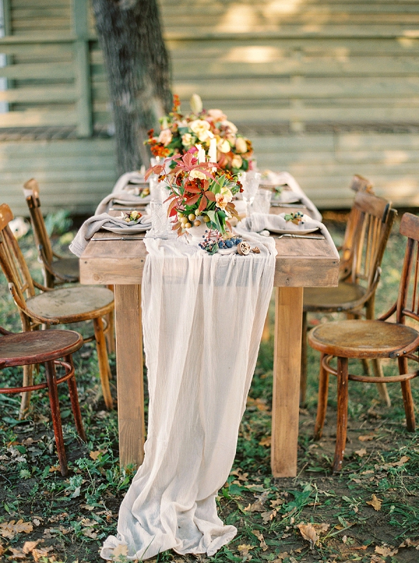 Organic and Rustic Tablescape | Idyllic Countryside Wedding Inspiration by Olga Plakitina Photography