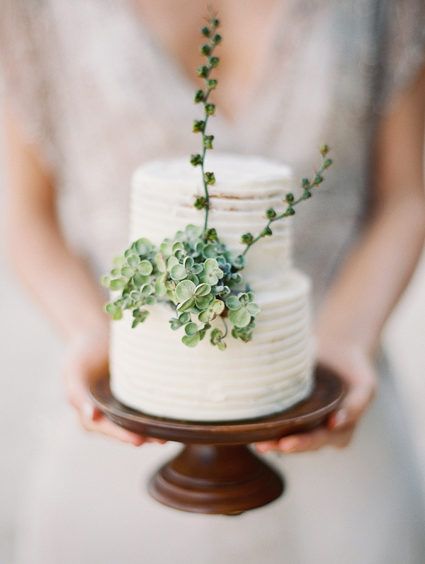 Modern Wedding Cake | Minimalist and Organic Coastal Wedding Ideas from Jasmine Pettersen Photography