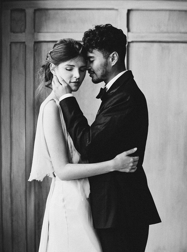 Black and White Bride and Groom Portrait | Elegant and Romantic Estate Wedding Inspiration by Andrew & Tianna Photography