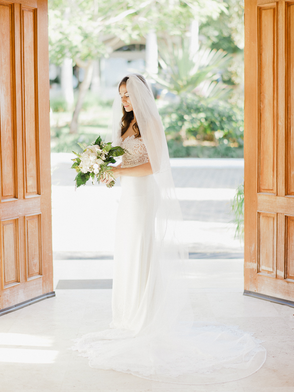 0586d08e294 Refined Rustic Destination Wedding in Nicaragua - BridalPulse