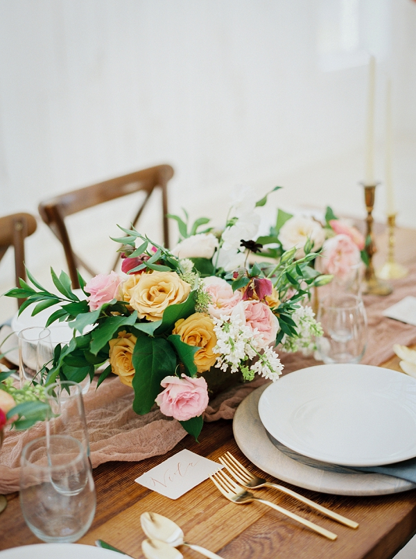 Pretty Wedding Tablescape | Wedding Inspiration With A Fresh Romantic Palette by Jessica Gold Photography