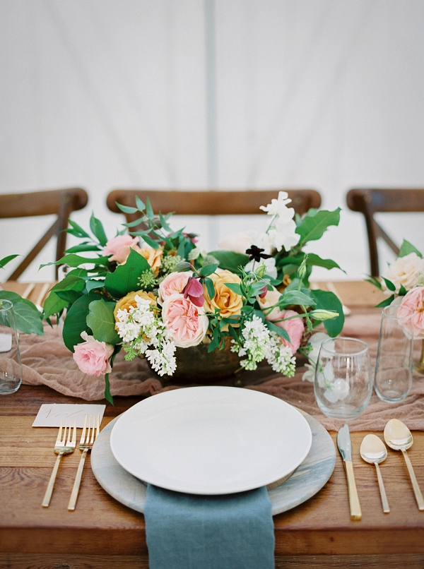 Spring Centerpiece | Wedding Inspiration With A Fresh Romantic Palette by Jessica Gold Photography