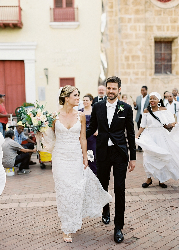 Modern Classic Bride and Groom   A Classic Garden-Inspired Wedding In Colombia by Vicki Grafton Photography