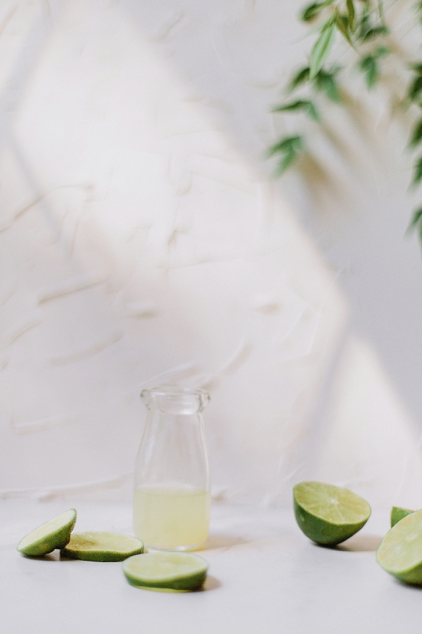 Tropical Wedding Cocktails: Mango Lime Bellini   Kellē Sauer Photography   Type A Society for Bajan Wed
