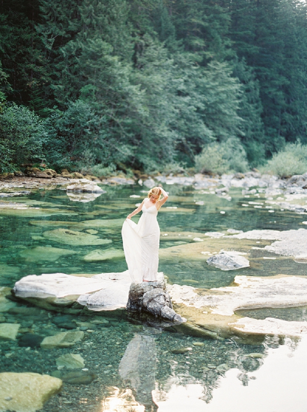 Stunning Bridal Portrait | Organic Outdoor Bridal Inspiration by Anne Brookshire Photography