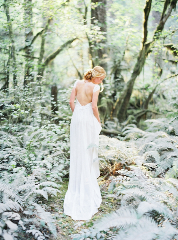 Fine Art Bridal Ideas Featuring A Claire Pettinbone Wedding Dress | Organic Outdoor Bridal Inspiration by Anne Brookshire Photography