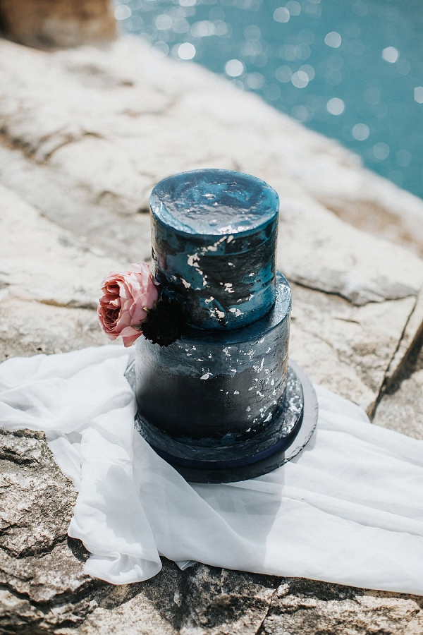 Black Wedding Cake | Sultry Summertime Elopement Inspiration by Leighanne Herr Photography