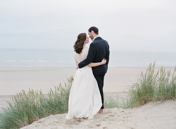 Couple on the Coast   A Coastal Editorial Inspired by Shakespeare from Julie Michaelsen Photography